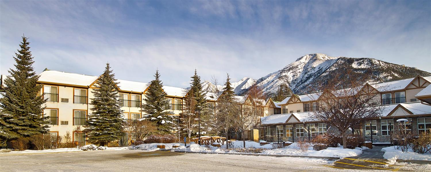 Exterior view - Coast Canmore Hotel & Conference Centre