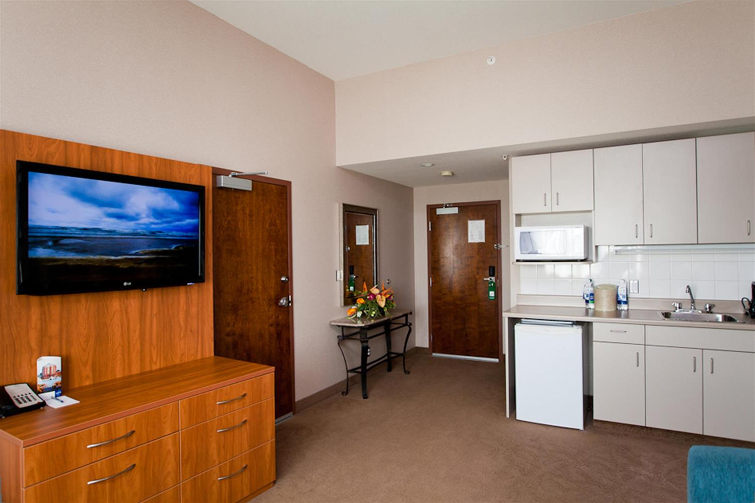 Suite - Coast Hotel & Convention Centre Langley