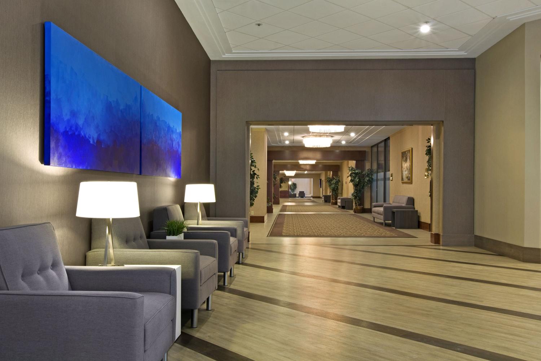 Lobby - Coast Plaza Hotel & Conference Centre Calgary