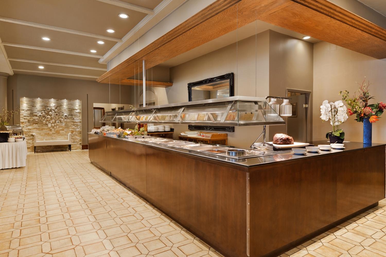 Restaurant - Coast Plaza Hotel & Conference Centre Calgary