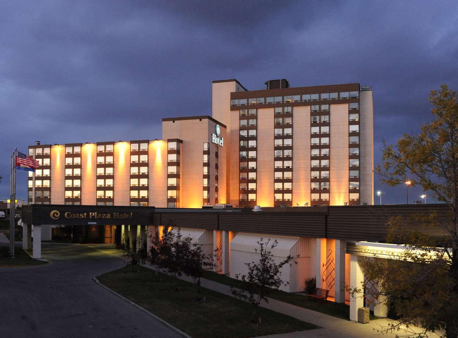 Exterior view - Coast Plaza Hotel & Conference Centre Calgary