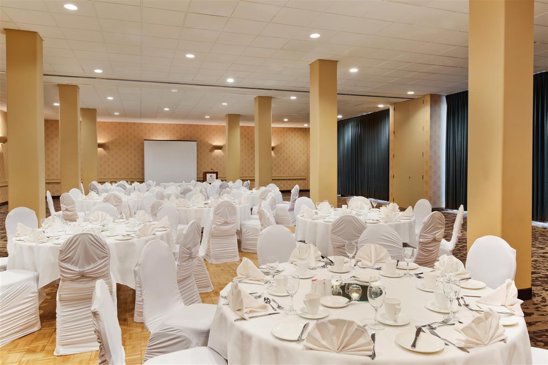 Meeting Facilities - Coast Plaza Hotel & Conference Centre Calgary