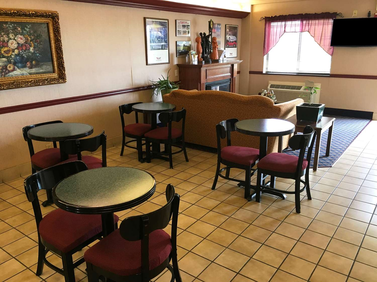 Country Hearth Inn Bowling Green, KY - See Discounts