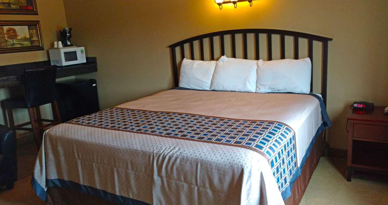 Room - Americas Best Inn Big Lake