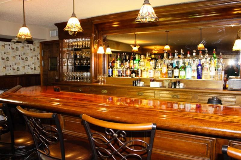 Bar - West Wind Inn Sanibel Island