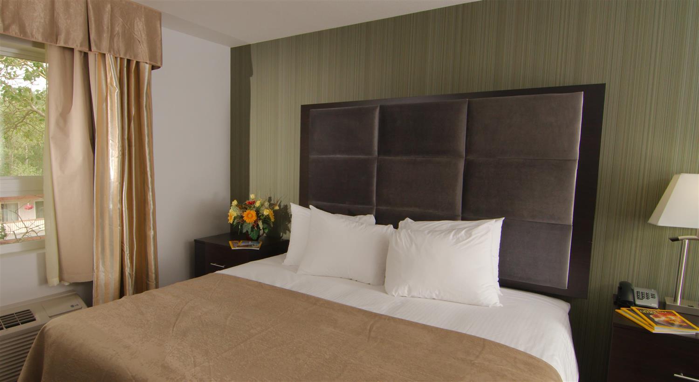 Suite - Paradise Inn & Suites Redwater