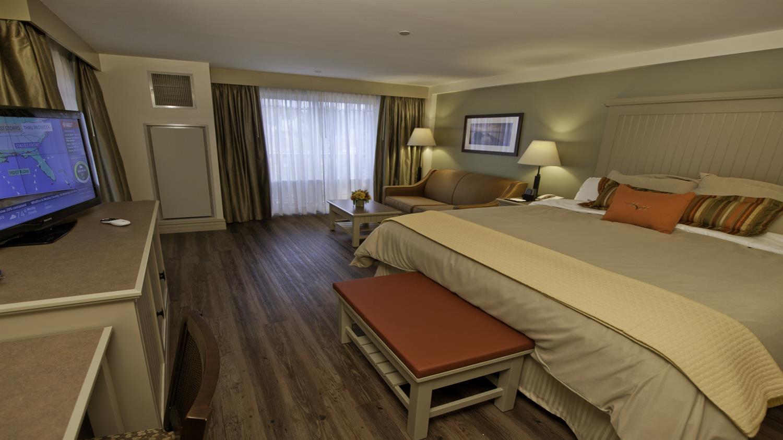 Room - 1000 Islands Harbor Hotel Clayton
