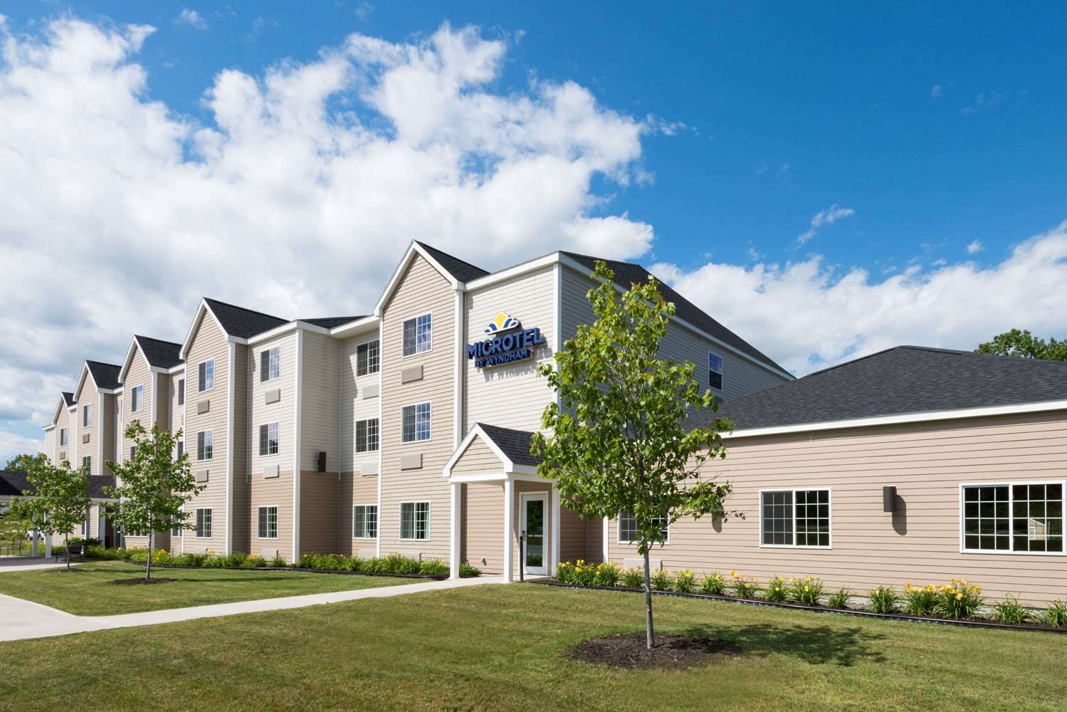 Exterior view - Microtel Inn & Suites by Wyndham Windham