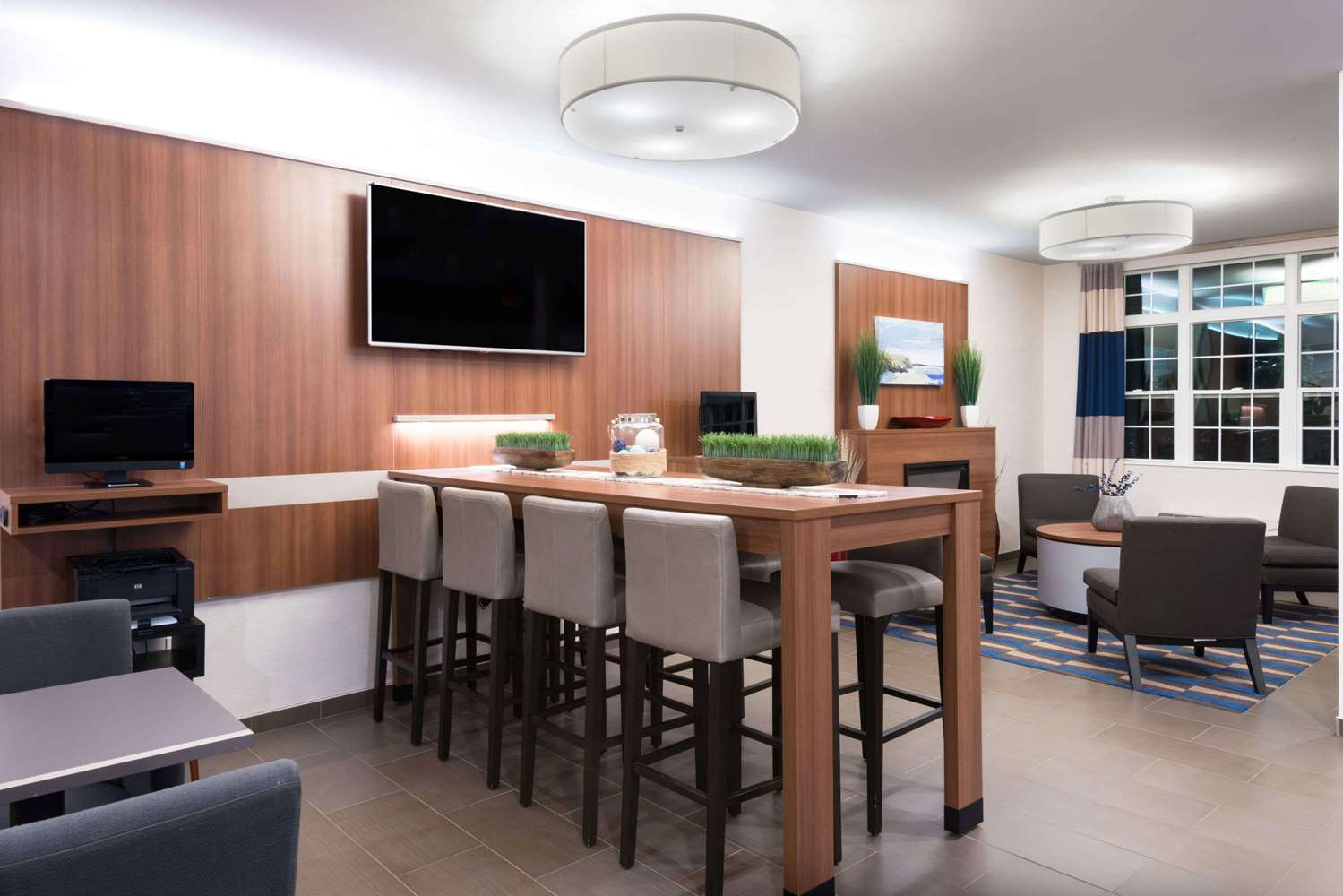 Lobby - Microtel Inn & Suites by Wyndham Windham