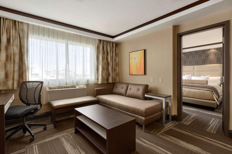 Suite - Best Western Plus Edmonton Airport Hotel Leduc