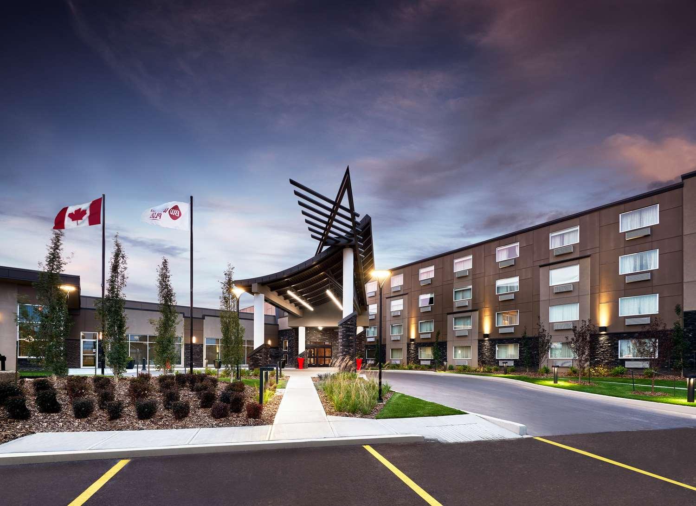 Exterior view - Best Western Plus Edmonton Airport Hotel Leduc