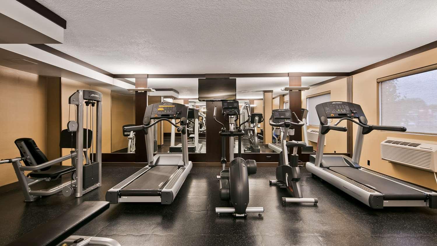 Fitness/ Exercise Room - Best Western Plus Edmonton Airport Hotel Leduc
