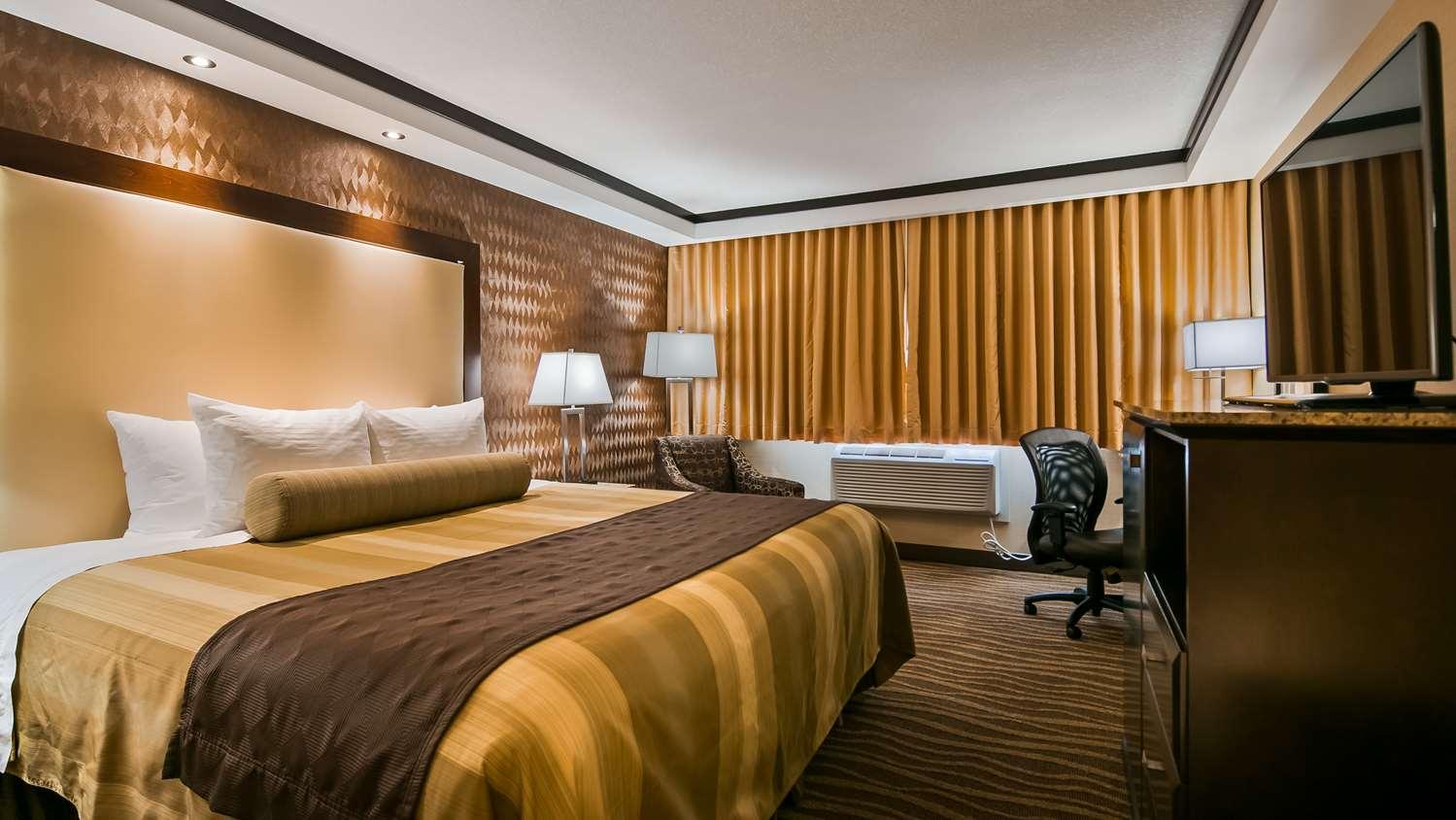 Room - Best Western Plus Edmonton Airport Hotel Leduc