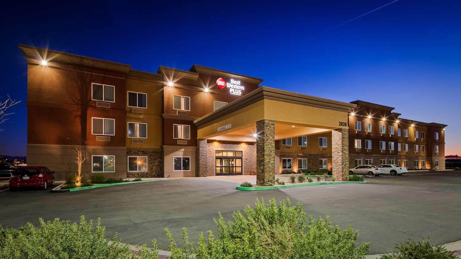 best western plus desert poppy inn lancaster ca see discounts - Hilton Garden Inn Lancaster