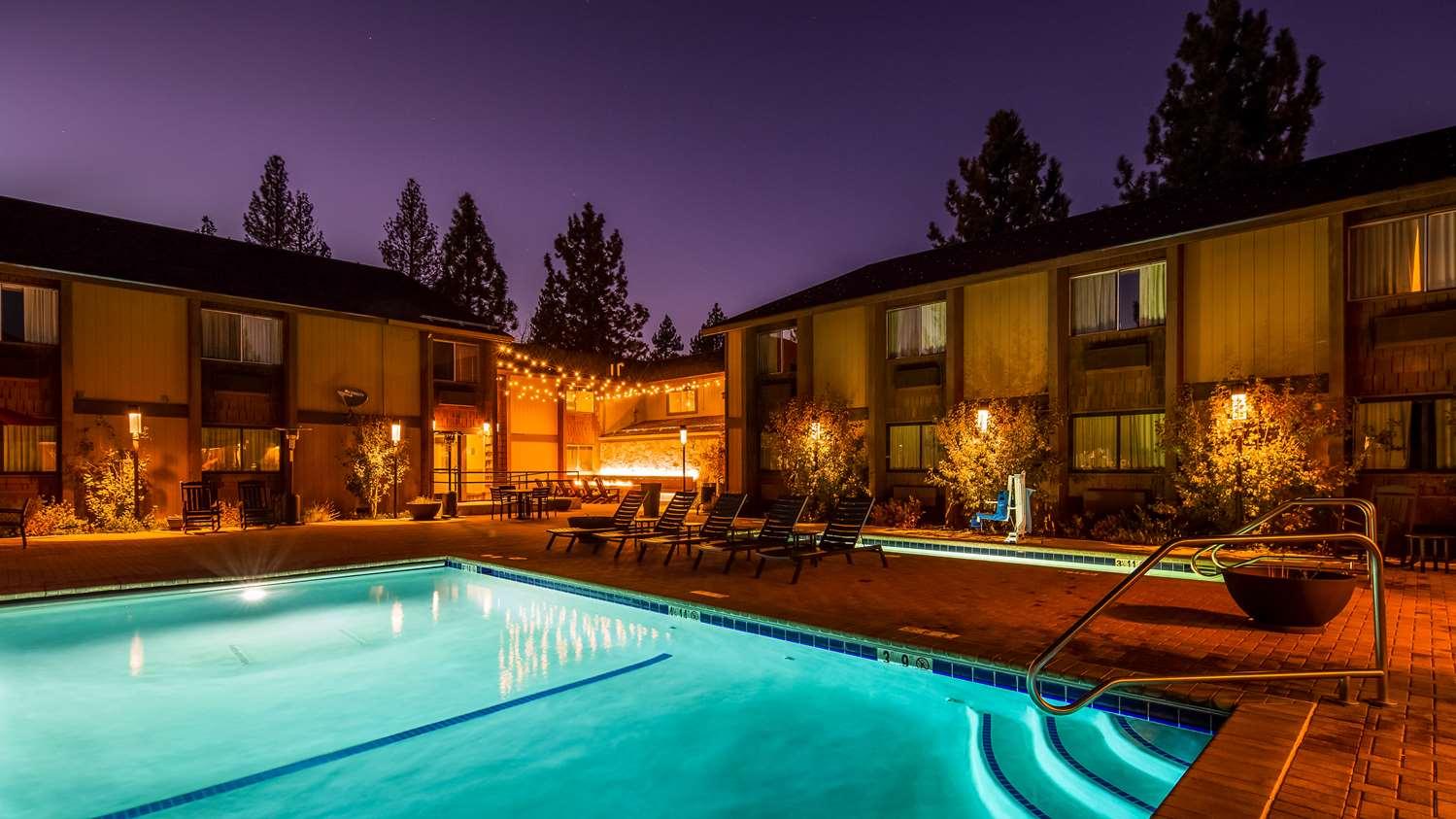 Pool - Best Western Plus Truckee Hotel