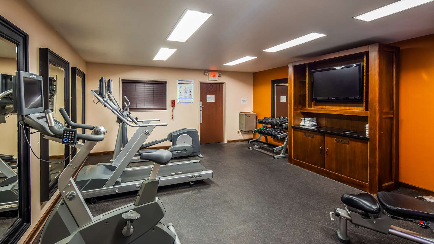 Fitness/ Exercise Room - Best Western Plus Truckee Hotel