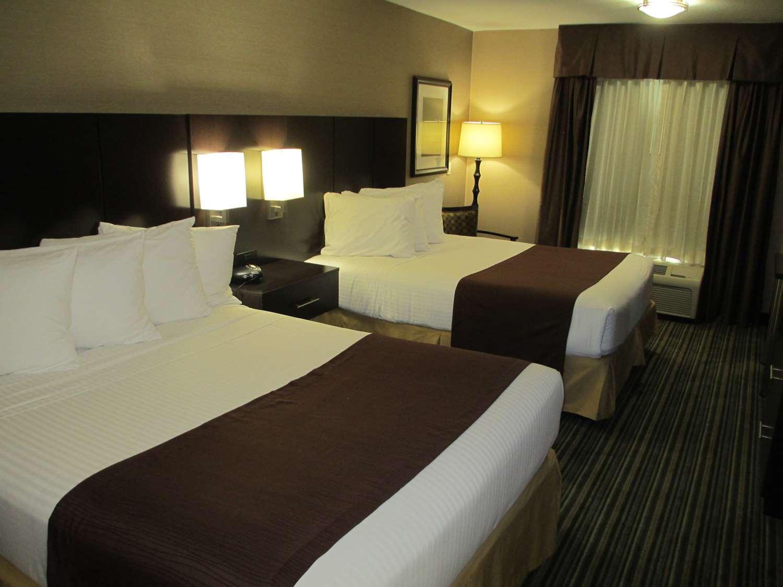 Room - Best Western Brentwood Inn