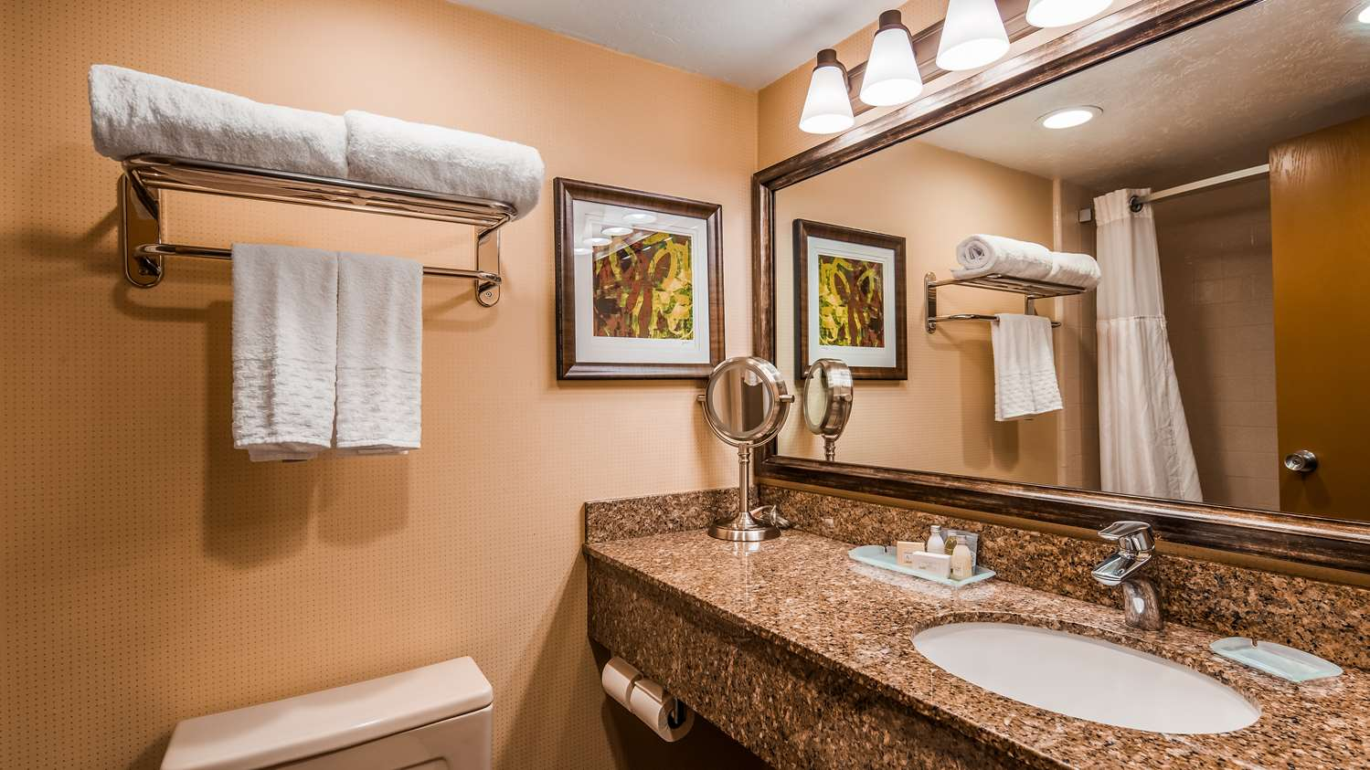 Room - Best Western Plus Cedar City Hotel