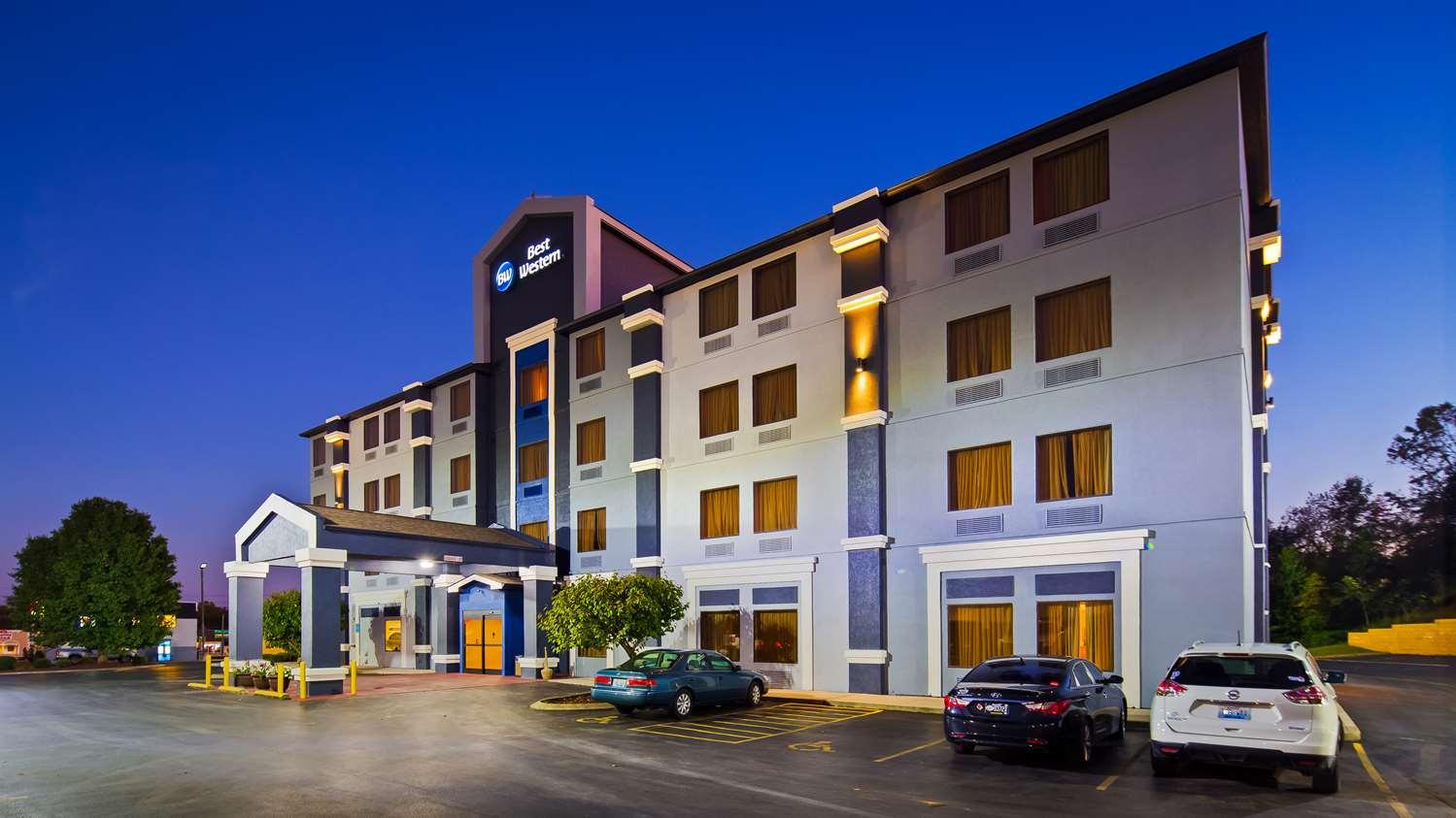 Exterior View Best Western Somerset Hotel