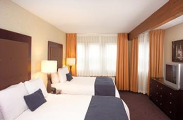 Room - Ivy Court Inn & Suites South Bend