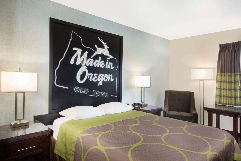 Room - Super 8 Hotel Springfield