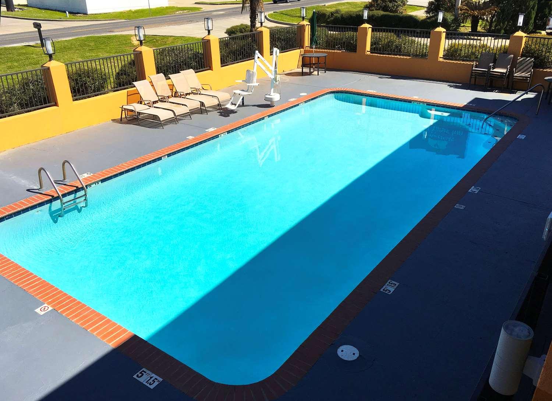 Pool - Americas Best Value Inn Denham Springs
