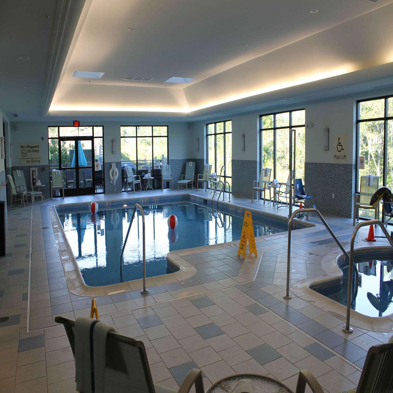 Pool - Hampton Inn & Suites Stroudsburg