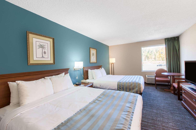 Room - Baymont Inn & Suites Bartonsville