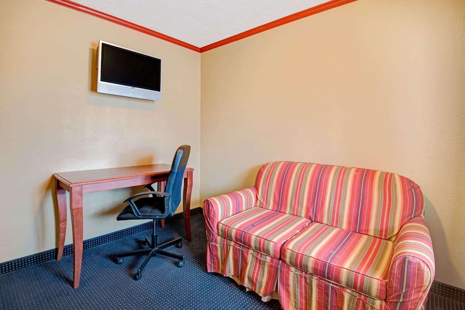 Suite - Days Inn Downtown Albuquerque