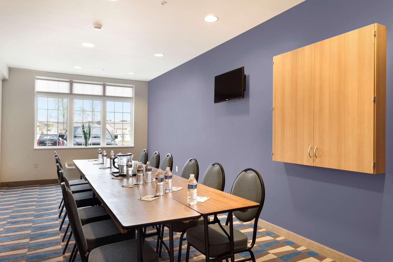 Meeting Facilities - Microtel Inn & Suites by Wyndham Georgetown