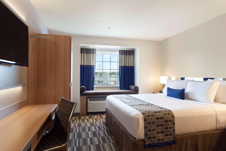 Suite - Microtel Inn & Suites by Wyndham Georgetown
