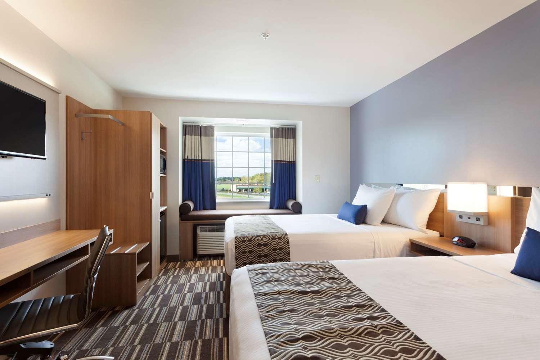 Room - Microtel Inn & Suites by Wyndham Georgetown