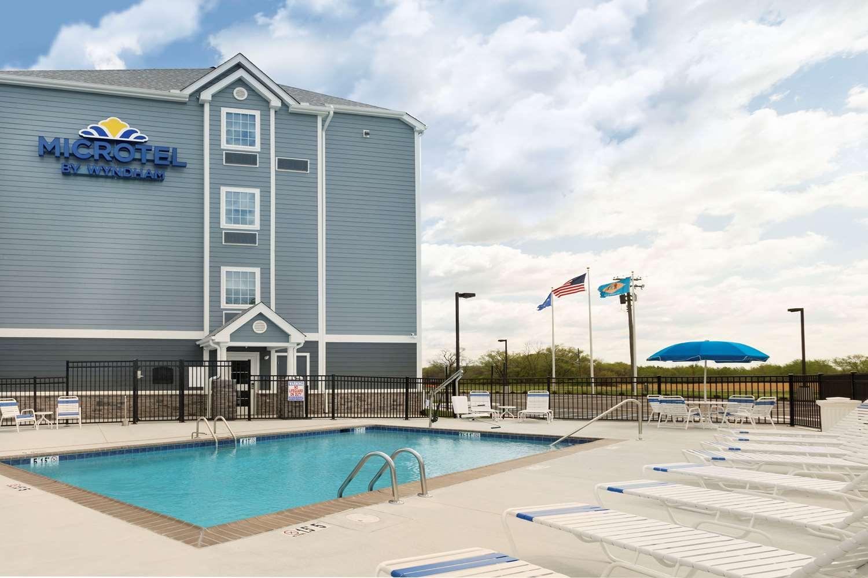 Pool - Microtel Inn & Suites by Wyndham Georgetown