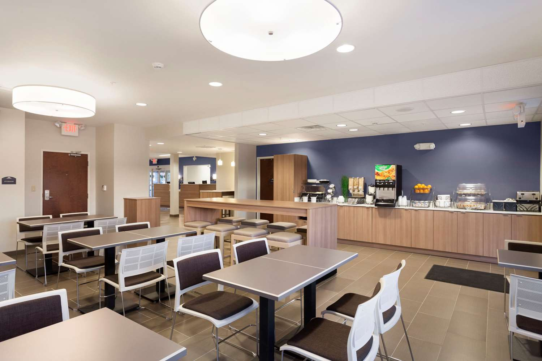 Restaurant - Microtel Inn & Suites by Wyndham Georgetown