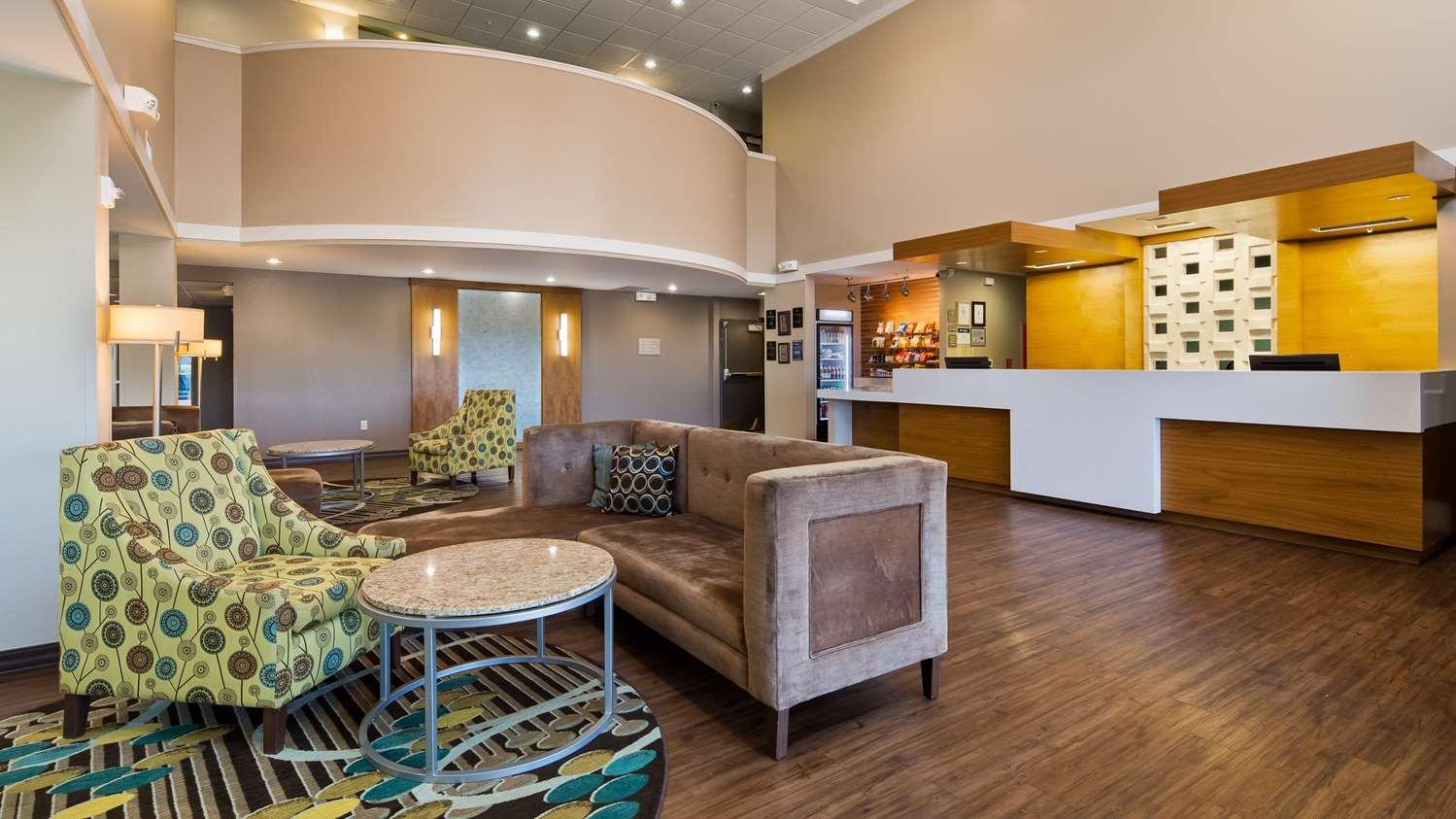 Lobby - Best Western Plus Patterson Park Inn Arkansas City