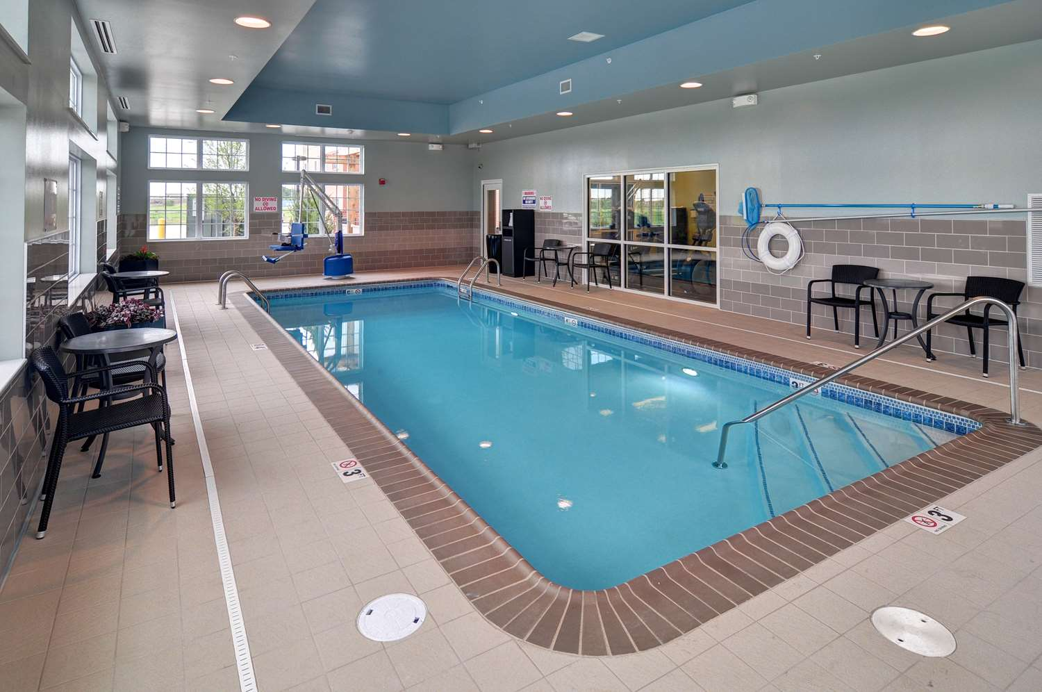 Pool - Best Western Plus Patterson Park Inn Arkansas City