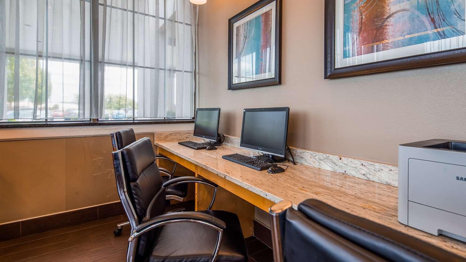 Conference Area - Best Western Hartford Hotel & Suites