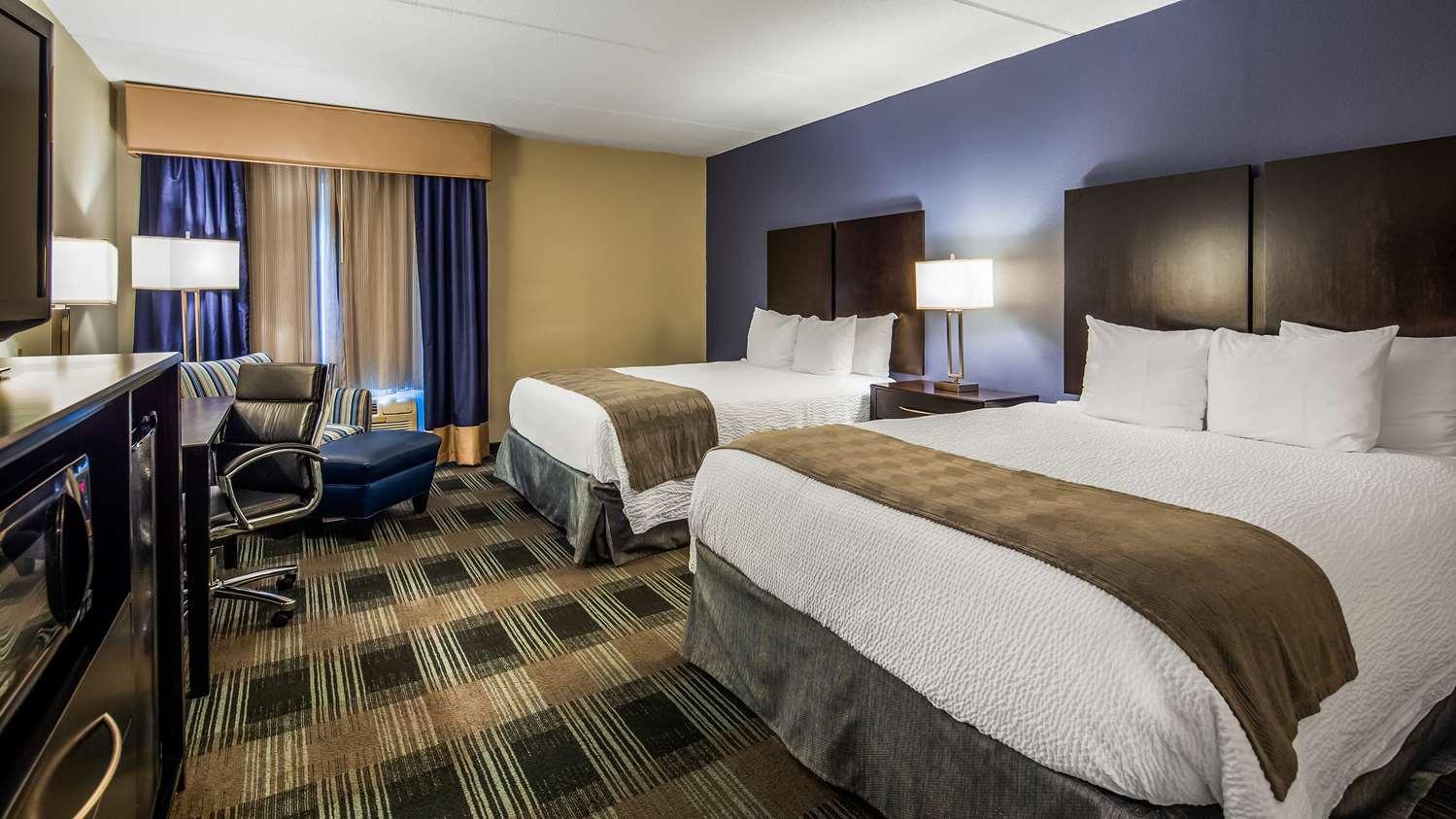 Room - Best Western Hartford Hotel & Suites