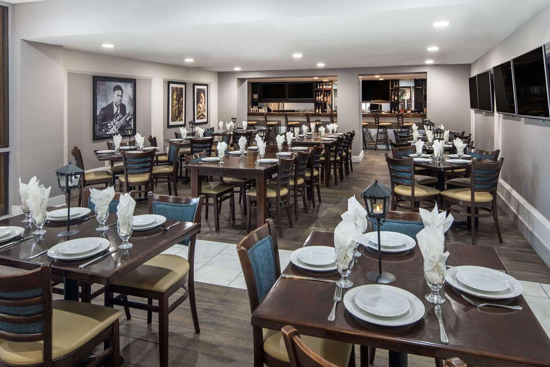 Restaurant - Wyndham Garden Hotel Airport Metairie