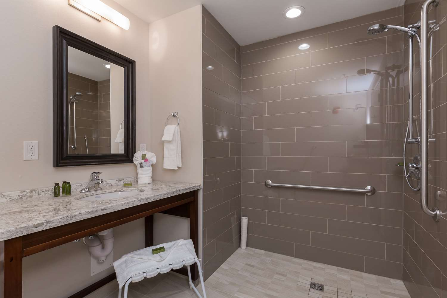 Best Western Plus Hotel Chestermere Ab See Discounts