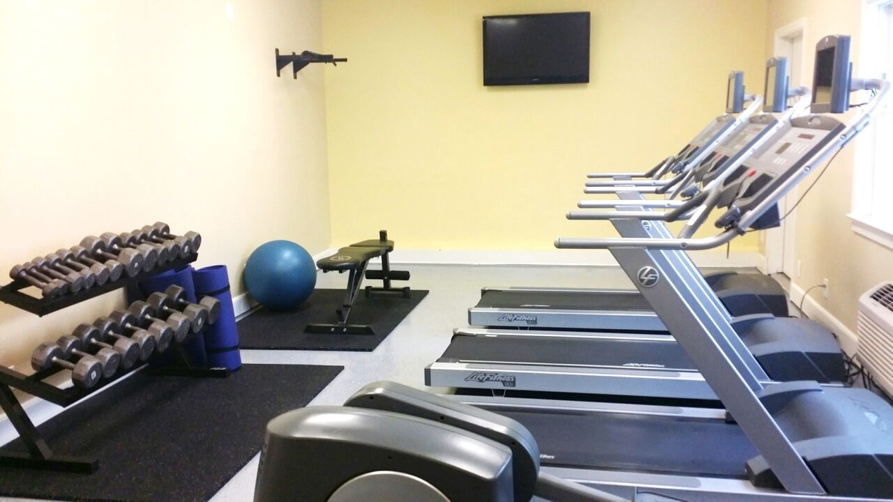 Fitness/ Exercise Room - Lafayette Hotel & Suites San Diego