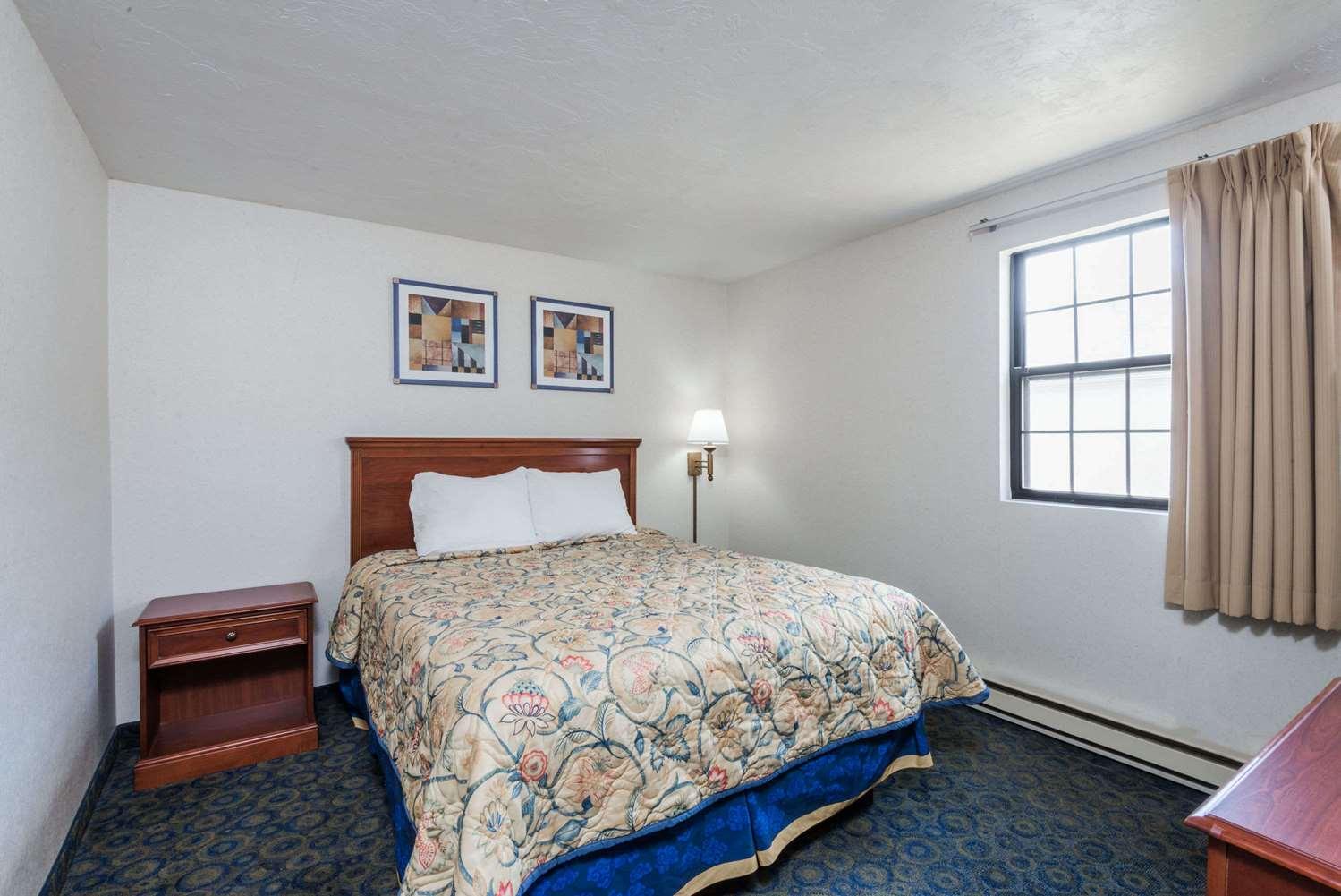 Room - Knights Inn North Attleboro
