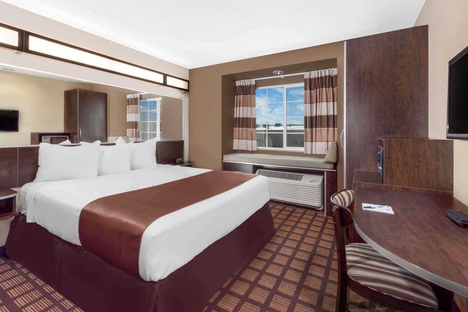 Room - Microtel Inn & Suites by Wyndham Midland