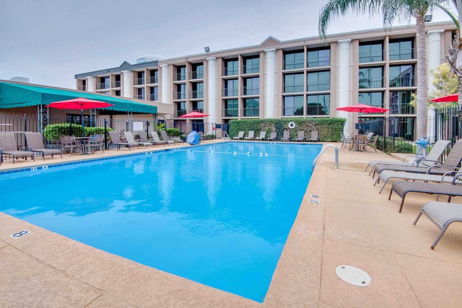Pool - Ramada Hotel Metairie