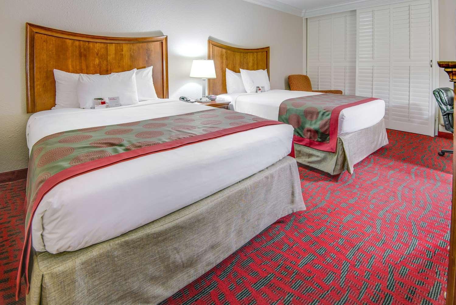 Room - Ramada Hotel Metairie
