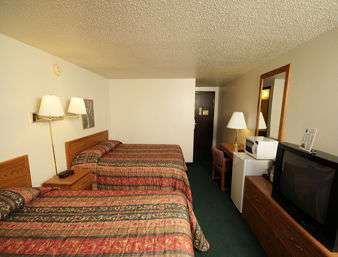 Room - Travelodge Yankton