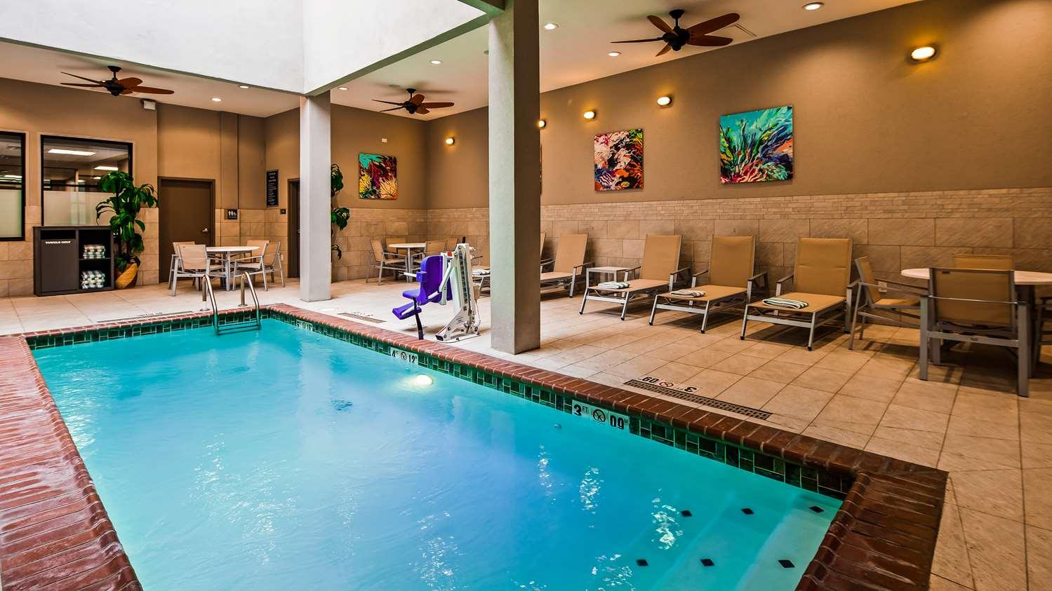 Pool - Best Western Premier Historic Travelers Hotel San Antonio