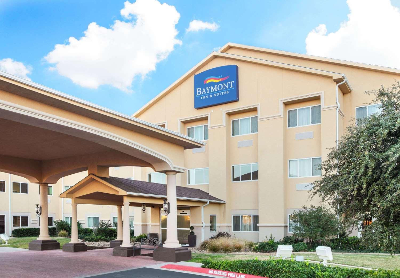 Exterior view - Baymont Inn & Suites West Lubbock
