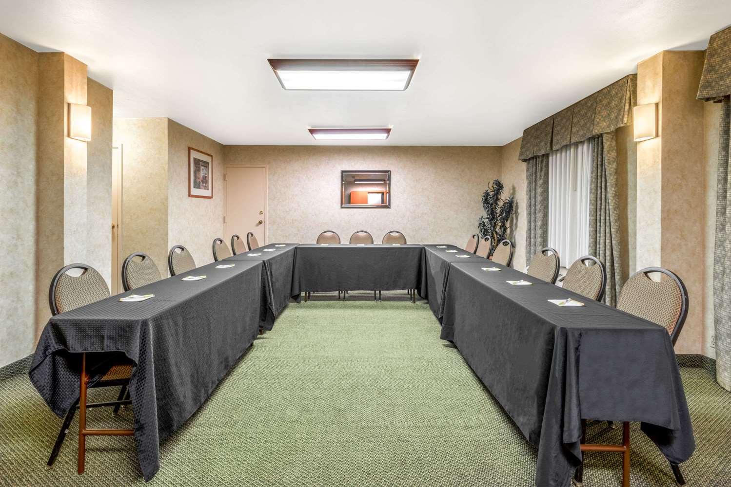 Meeting Facilities - Days Inn & Suites North Albuquerque