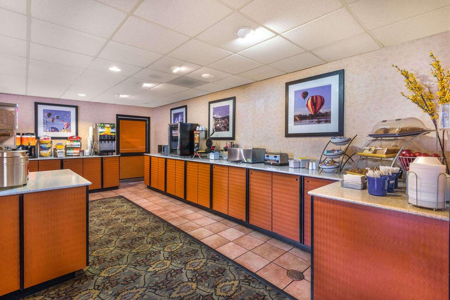 proam - Days Inn & Suites North Albuquerque